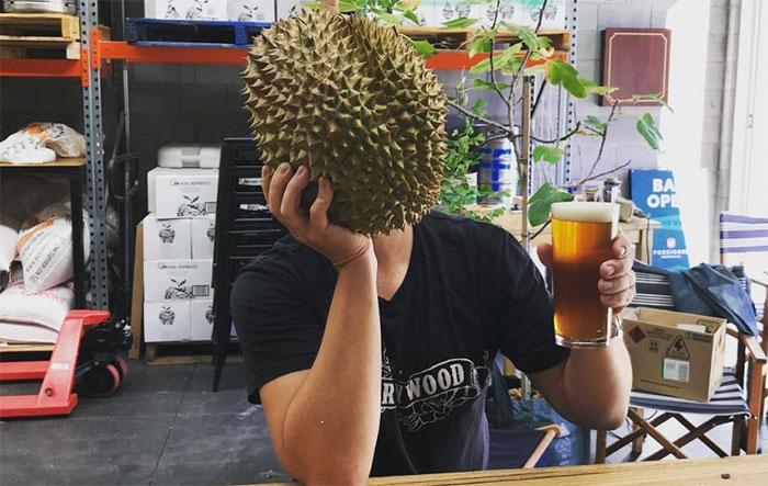 Особые ферменты в составе Дуриана при совмещении с алкоголем могут вызвать неприятные последствия
