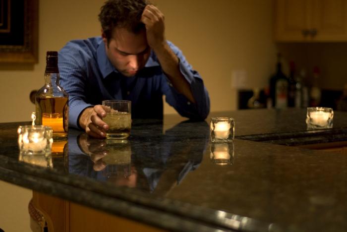 Проблема алкоголизма не всегда проявляется сразу
