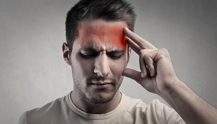 Головная боль, как один из симптомов отравления некачественным чаем