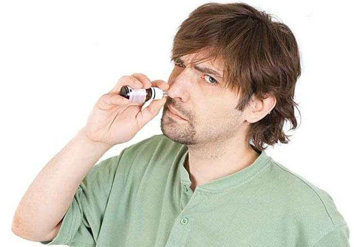 Постоянное применение капель для носа и увеличение дозировки - признак зависимости