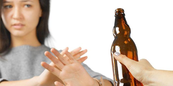 Врачи рекомендуют исключить спиртное на время приёма препарата Клацид