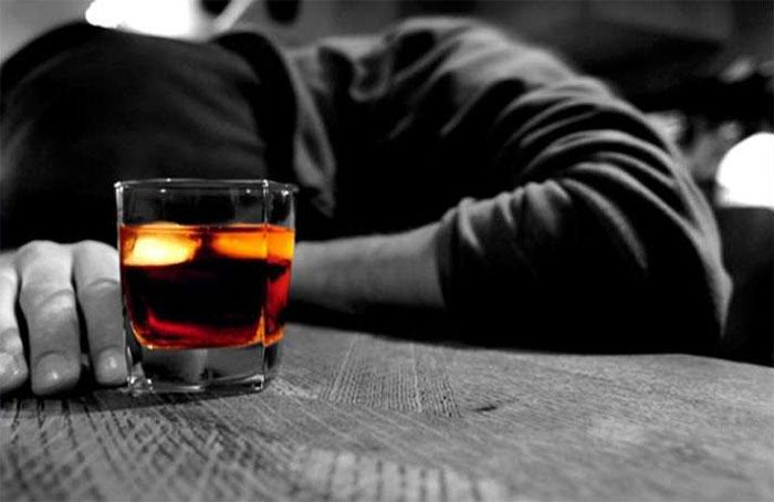 Симптомы отравления виски