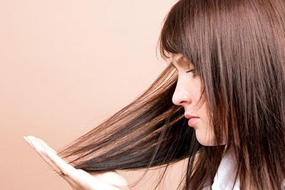 Девушка и волосы