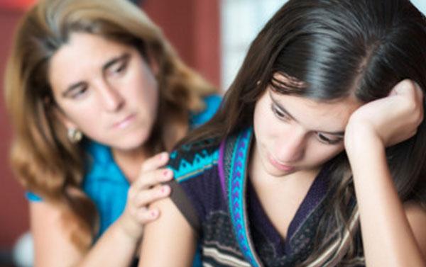 Мама просит прощение у дочери