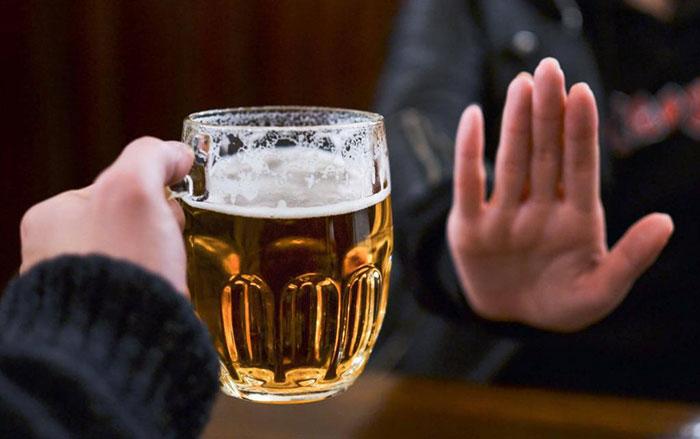 Специалисты рекомендуют отказаться от алкоголя на время приёма препарата Андипал