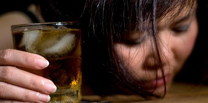 Спиртное при приёме Персена усиливает действие препарата, что чревато тяжёлыми последствиями