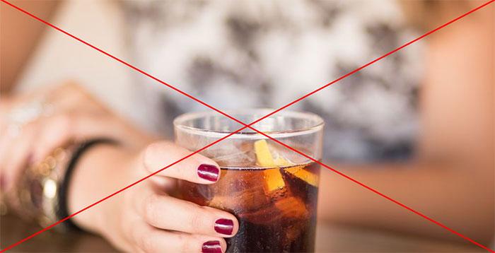 Врачи категорически не рекомендуют сочетать приём Рексетина с алкоголем