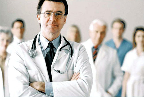 Какому врачу еще необходимо показаться при грыже позвоночника?