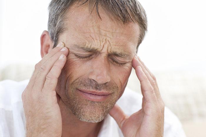 Совмещение спиртного и Нолицина усиливает проявление побочных эффектов