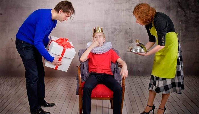 Зависимость человека в следствии чрезмерной его опеке родителями в детстве