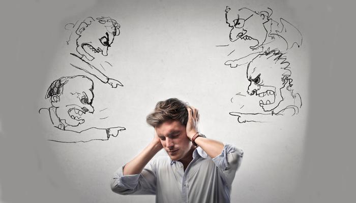 Возможные слуховые галлюцинации при алкогольном делирии