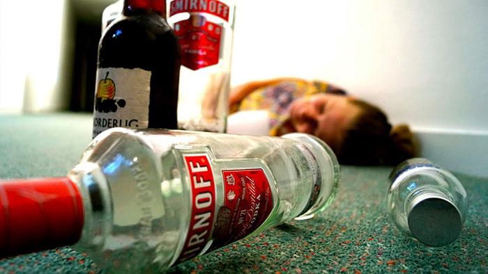 Смертельная степень алеогольного опьянения характерна критическим состоянием организма и может привести к летальному исходу