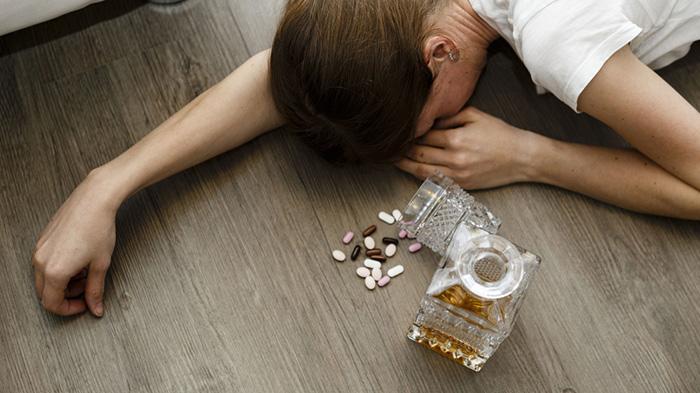 Совмещение Адаптола и алкоголя может привести к разным тяжелым последствиям