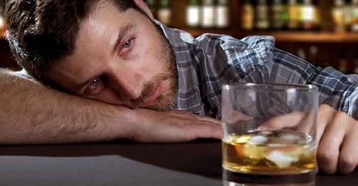 Можно ли употреблять алкоголь при геморрое: влияние спиртного на болезнь и взаимосвязь, последствия употребления и безопасные дозировки спиртных напитков