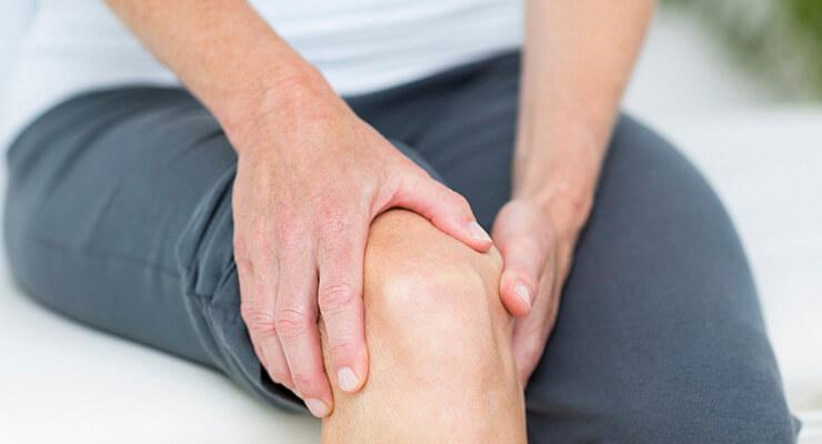 Резкая боль и другая симптоматика поражения колена