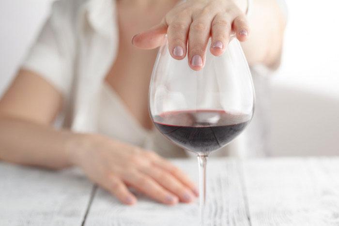 Врачи рекомендуют отказаться от употребления спиртного при приёме препарата Эналаприл