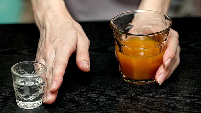 Врачи не рекомендуют совмещать Ципралекс со спиртным