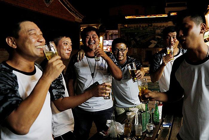 Лидером смертности по причине алкоголя является Китай