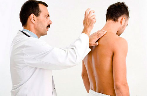 К какому врачу обратиться при грыже позвоночника?