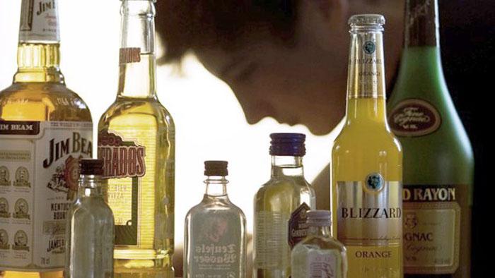 Врачи рекомендуют воздержаться от употребления спиртного во время приёма препарата Курантил