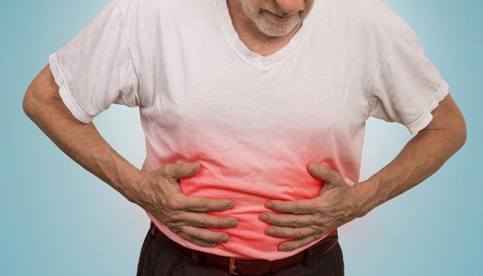 Боль в желудке после злоупотребления суррогатным алкоголем