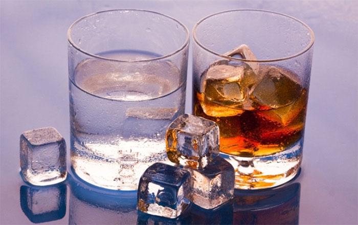 Врачи рекомендуют исключить употребление спиртного на время приёма препарата Профлосин