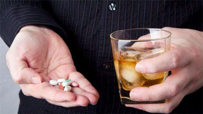 Несовместимость алкоголя и снотворных препаратов