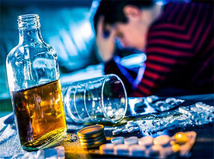 Спиртное с Димедролом усиливают токсическое воздействие на организм