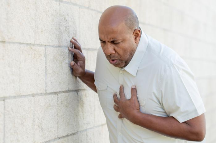 Побочные эффекты могут проявляться при совмещении курения и приема таблеток Коррида