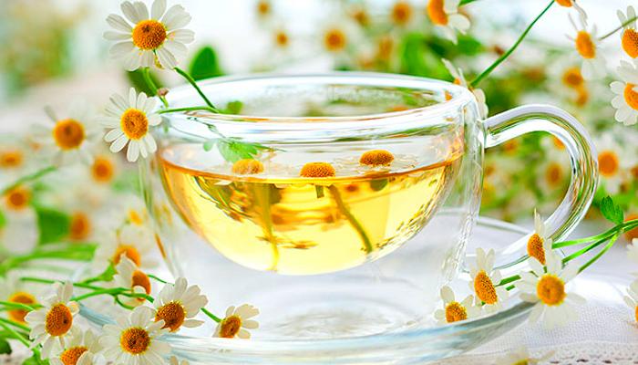 Ромашковый чай для устранения похмелья