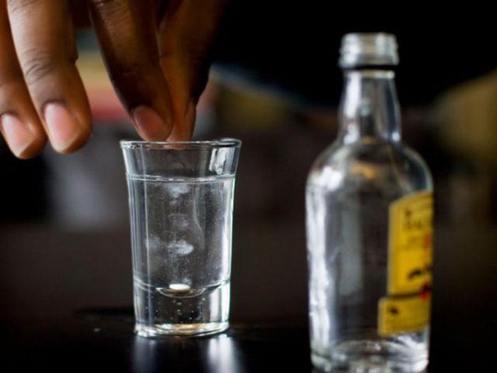 Алкоголизм является одним из показаний к приему Фенотропила, но совместный прием не рекомендуется